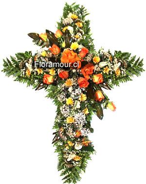 Cruz de flores para funerales en tonos otoñales
