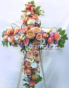 Corona fúnebre de rosas mixtas en tonos pastel